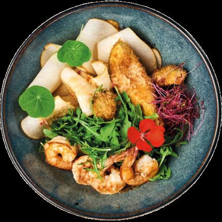Салат з грушею, креветками та авокадо